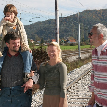 Iva Krajnc Bagola, Slobodan Maksimović, Vladimir Vlaškalić, Julijana Zupanič, Miran Zupanič on the set of Made in Slovenia (2007).