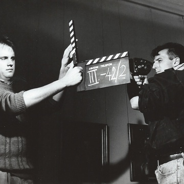 Vinci Vogue Anžlovar, Danijel Hočevar on the set of Usodni telefon (1987).