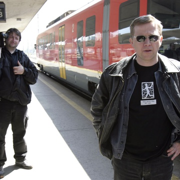 Aleš Belak, Damjan Kozole on the set of Delo osvobaja (2004).
